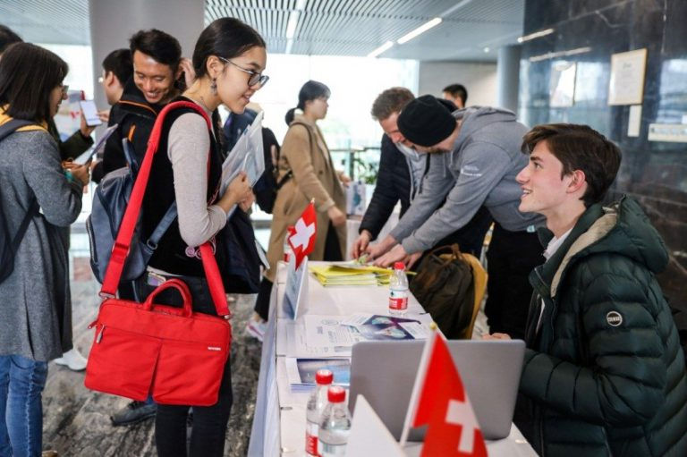 """Go Global-Go Beyond"" 2020 Study Abroad Fair Held Successfully at Tongji SEM"